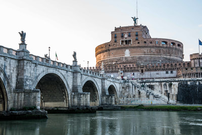 The Castel Sant'Angelo is an impressive struture and not unimportant during various attacks on the city of Rome.