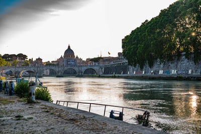 The last few times we manged to always hit the walk along the Tiber about Golden Hour. I can't image how that happended?
